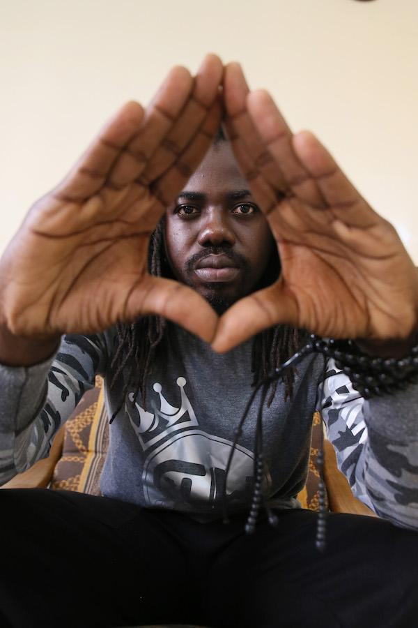 Elezioni in Gambia/5. Video-intervista. Retsam, rapper e attivista gambiano: «siamo pronti a impiantare in Gambia un movimento per la democrazia»