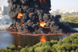 Moscow River Catches Fire After Pipeline Bursts – Video