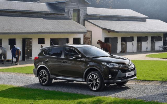 2015-Toyota-RAV4-Hybrid-side-view-2