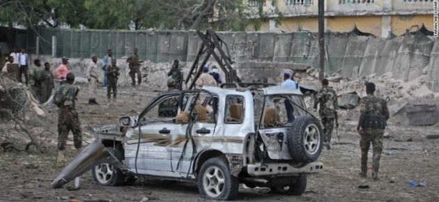 10 Killed in Car Bombing; 26 Starve to Death Amid Risk of Widespread Famine in Somalia