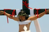 Filipino Catholics crucify themselves in gruesome Easter reenactment