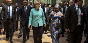 Bill Gates Praises Angela Merkel's Efforts to Bring Aid for Africa to the Table
