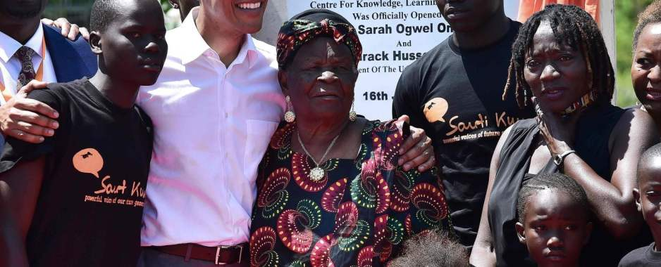 Behold Kenyans, Your 'Son' Barack Obama Has Arrived