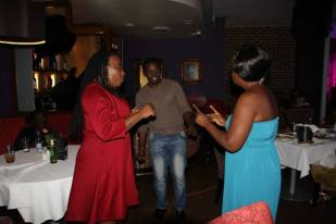 Fungai hits the dancefloor with friends!