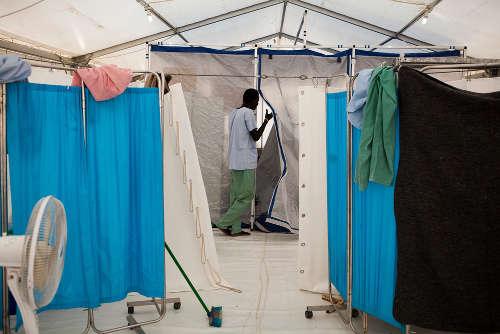 La sala operatoria di MSF nel POC di Bentiu. Foto di Brendan Bannon. Bentiu, Sud Sudan. Settembre 2015.