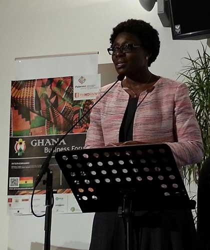 Mawuena Trebarh, ministra per gli investimenti del Ghana