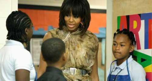 michelle-obama-art-school-visit-may-2013