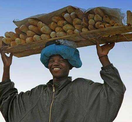 trasporto-del-pane-in-africa