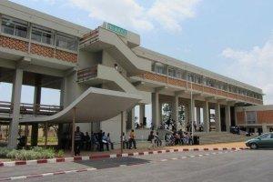 Crise à l'université FHB de Cocody: Les enseignants démontent la gestion caotique du Pr Abou Karamoko et proposent des solutions