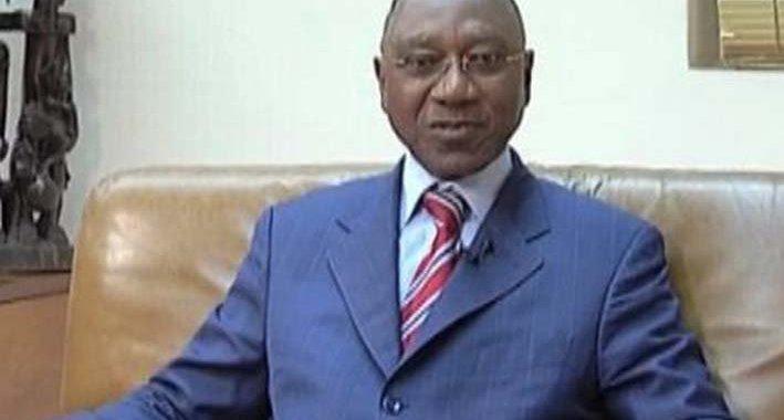 Dacoury-Tabley Philippe-Henri  (ex-gouverneur de la BCEAO) parle aux 2 ''Côte d'Ivoire'' créées pare Alassane Ouattara… «La logorrhée du pyromane»