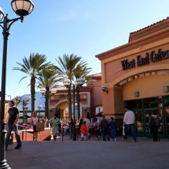 Desert hills premium outlets : California,USA