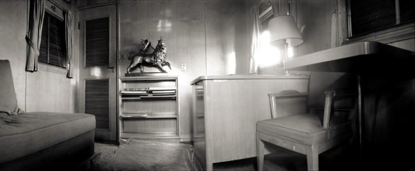 Bureau du negus, voiture impériale.Photographie Pierre Javelot.