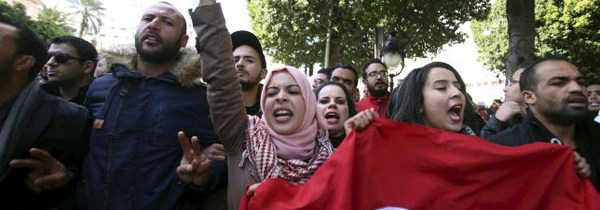 Tunisia, da Kasserine si estendono le proteste antigovernative
