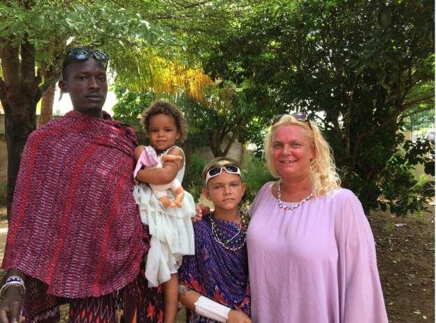 Oscar et sa famille vivent à Dar Es Salaam, ancienne capitale de la Tanzanie