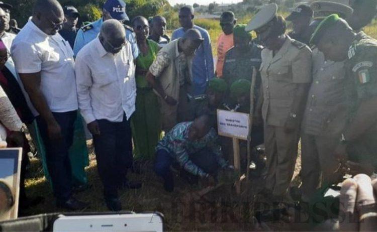 le ministre Amadou koné a planté son arbre le vendredi 15 novembre 2019 à Bouaké
