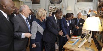 Le président Ouattara inaugure la bibliothèque Félix Houphouêt de l'Académie des sciences d'Outre-Mer de Paris, 14 février 2020. photos: Sercom présidence