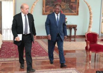 gouv.ci : Le ministre Jean-Yves Le Drian et le président Ouattara