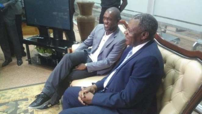 Indomitable Lions: The new coach Clarence Seedorf already in Yaoundé (photos)