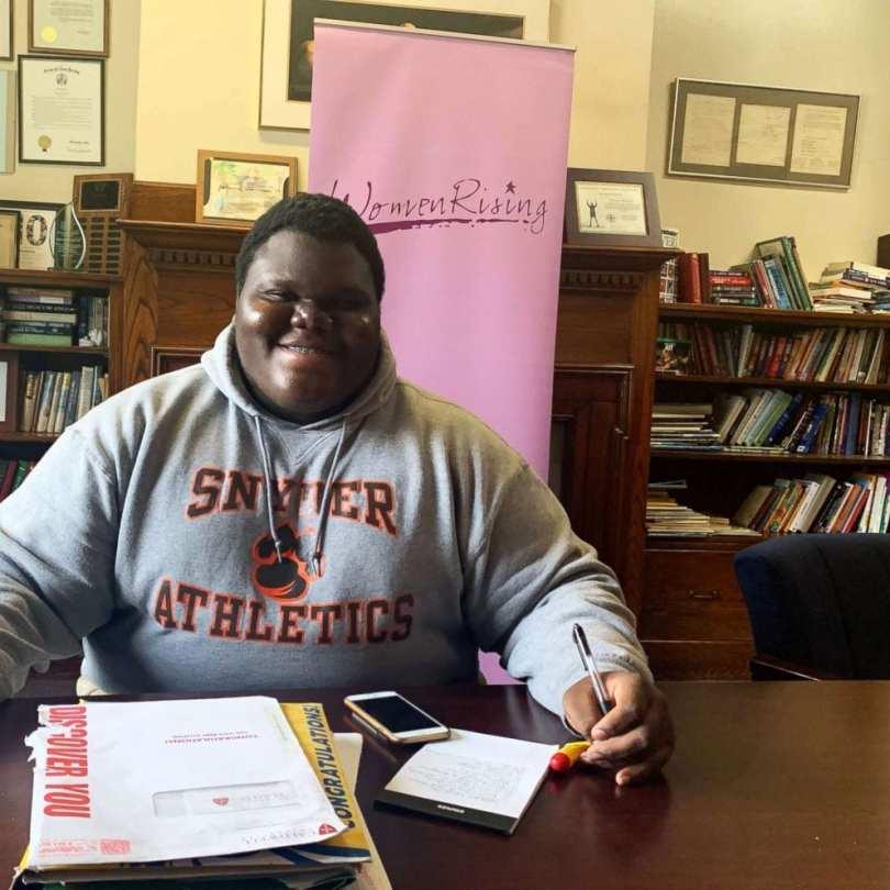 États-Unis : Un adolescent noir sans abri accepté dans 17 universités (photos)