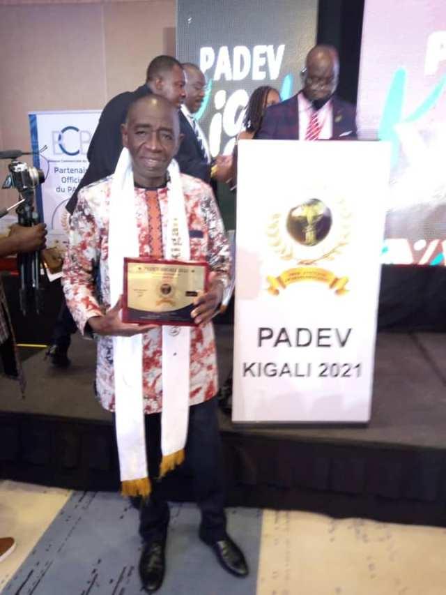Côte d'Ivoire / Bohiri Michel reçoit le Grand prix africain du PAVED à Kigali