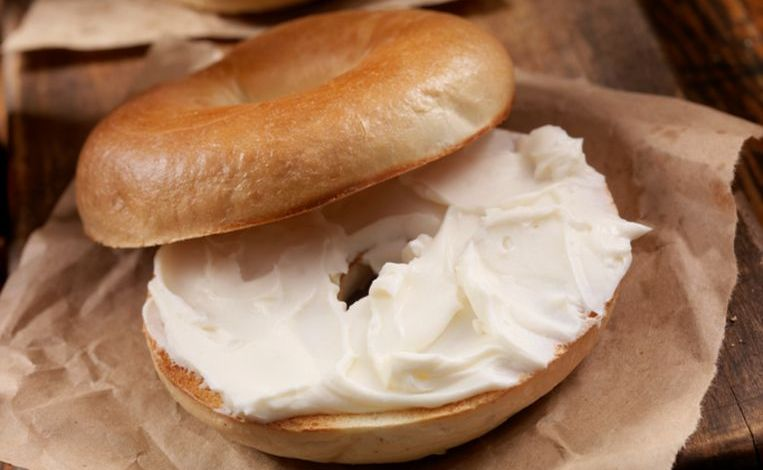 Photo of Apple tackles after online protest: bagel-emoji gets a layer of cream cheese