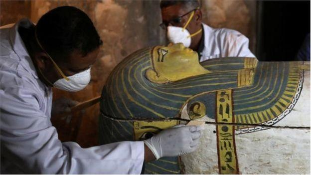 Photo of Discovery of an ancient tomb in Egypt