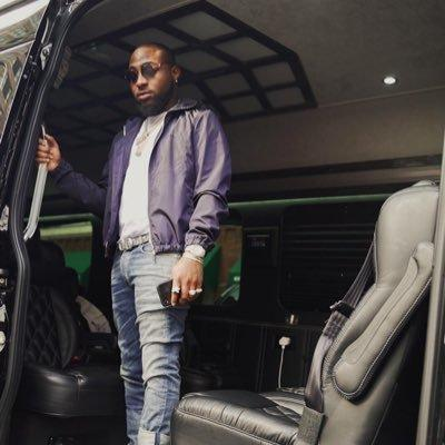 Davido leaves the NYSC camp, travels to Boston for a tour in US