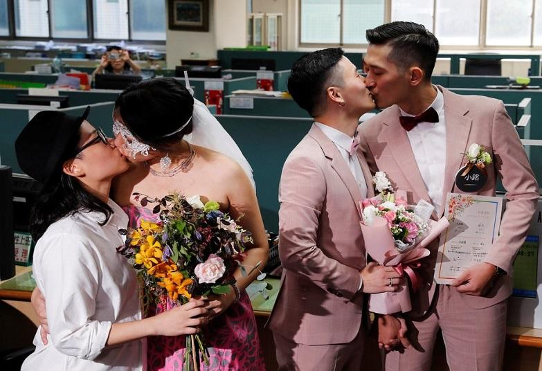 ©Tyrone Siu/Reuters - first legal gay marriages in Asia