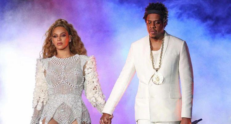 Photo of Couple who expose infidelities, lovers, and apologies in their songs