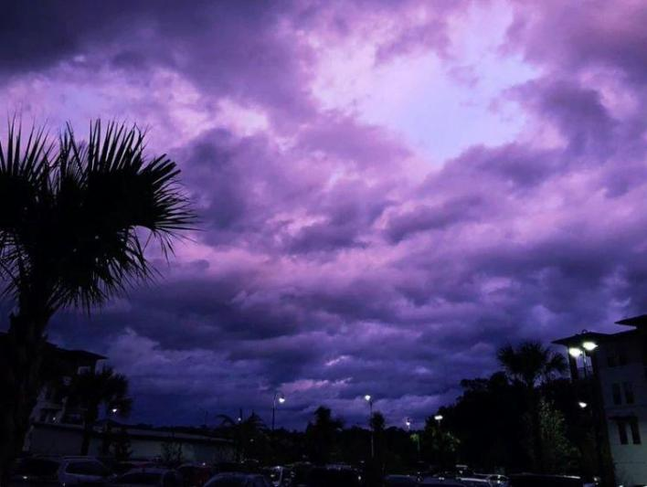 Hurricane Dorian's passage through Florida: why Sky became purple