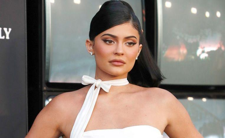 Photo of Forbes backs out: Kylie Jenner has been cheating and she's not a billionaire