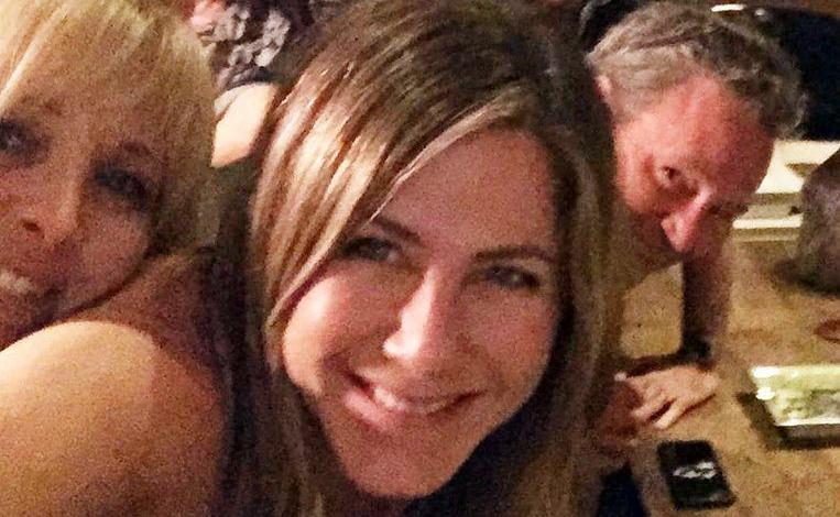 Photo of Followers discover new detail on Jennifer Aniston's Instagram 'friend' photo