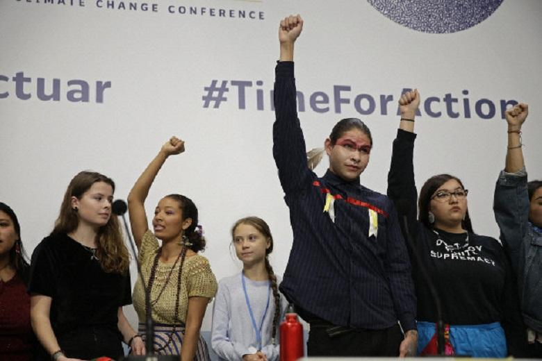Security agents are removing activists from the climate summit