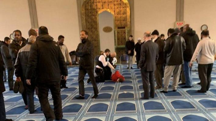 Man stabbed in a mosque in London