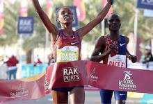 Photo of Ethiopian Yeshaneh improves world record at half marathon