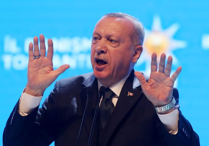 """Erdogan accuses Greece of killing refugees: """"Who are they fooling?"""""""