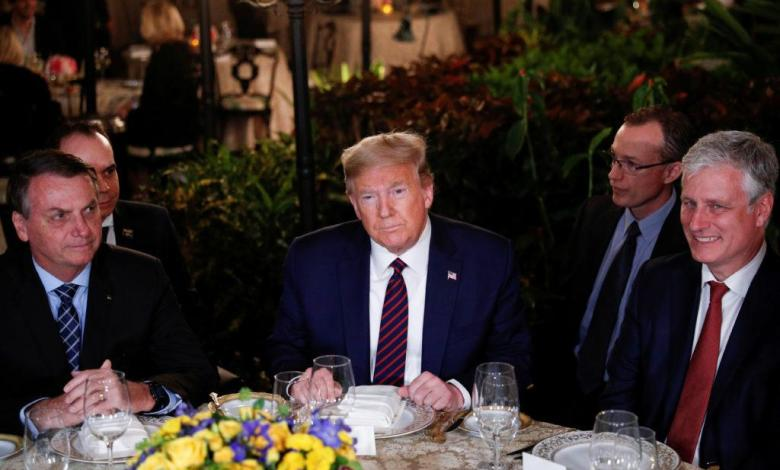 Photo of Trump met with man who turns out to be infected with coronavirus