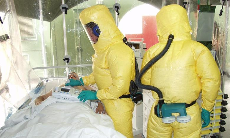 Photo of Fear of Ebola outbreak after infected patient escaped from clinic