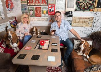 Jayne and Paul Tapper in the hub   Carter News