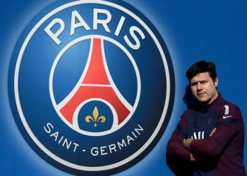 Paris Saint-Germain's Argentinian head coach Mauricio Pochettino poses at the team's training grounds in Saint-Germain-en-Laye, outside Paris, on March 1, 2021. (Photo by FRANCK FIFE / AFP)