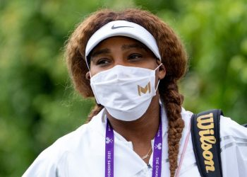 US player Serena Williams arrives at Aorangi Practice Courts at The All England Tennis Club in Wimbledon, southwest London, on June 25, 2021, ahead of the start of the 2021 Wimbledon Championships tennis tournament. (Photo by AELTC/Thomas Lovelock / POOL / AFP)