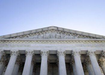 WASHINGTON, DC – SEPTEMBER 02: The U.S. Supreme Court is seen on September 02, 2021 in Washington, DC. The Supreme Court voted 5-4 not to stop a Texas law that prohibits most abortions after six weeks of pregnancy. Kevin Dietsch/Getty Images/AFP (Photo by Kevin Dietsch / GETTY IMAGES NORTH AMERICA / Getty Images via AFP)