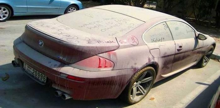 Toutes les marques de voiture sur motorlegend : Des milliers de voitures de luxe abandonnées à Dubaï – AFRIZAP