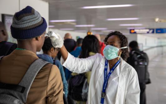 """Résultat de recherche d'images pour """"les coronavirus: les controle dans les aéroports en afrique"""""""