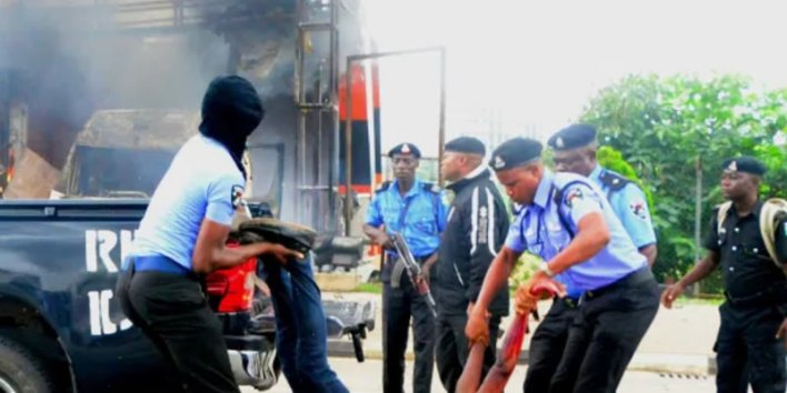 Shi'ites clash with Police in Kaduna, 2 confirmed killed, many others injured