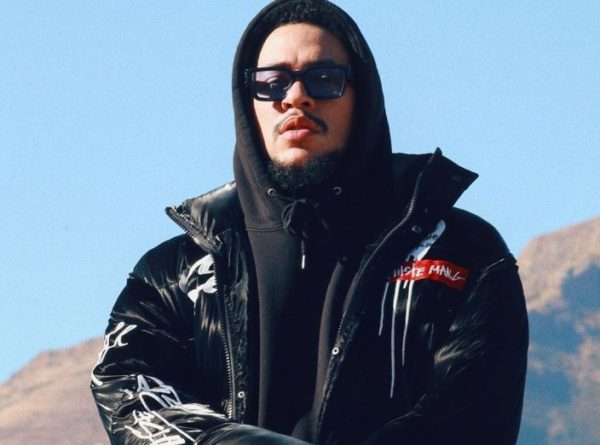 AKA apologises to fan over issues with his TV app