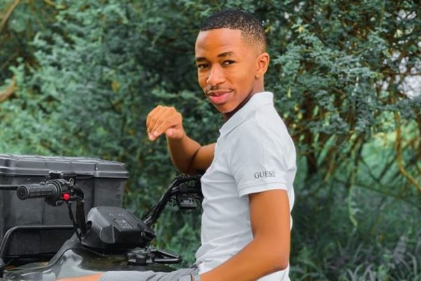 """""""You really gone?""""- Lasizwe says as he is still in shock over father's death"""