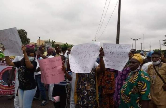 Oyo traditional worshippers stage protest to Governor's office, lament marginalization