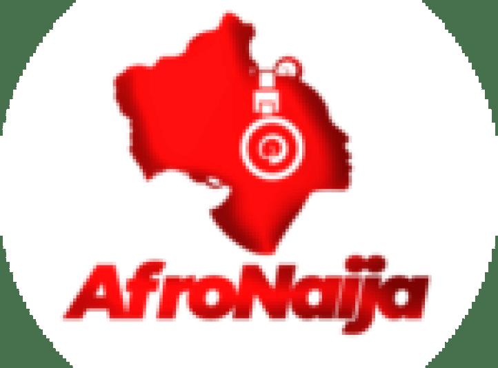 Usher and his pregnant girlfriend Jenn Goicoechea enjoy a stroll in West Hollywood (Photos)