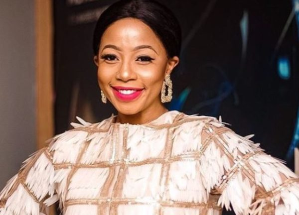 Social media users hype Kelly Khumalo – Here's why